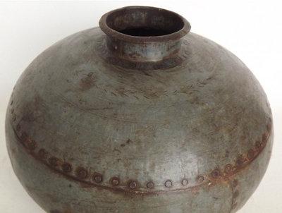 Nagouri pot old iron